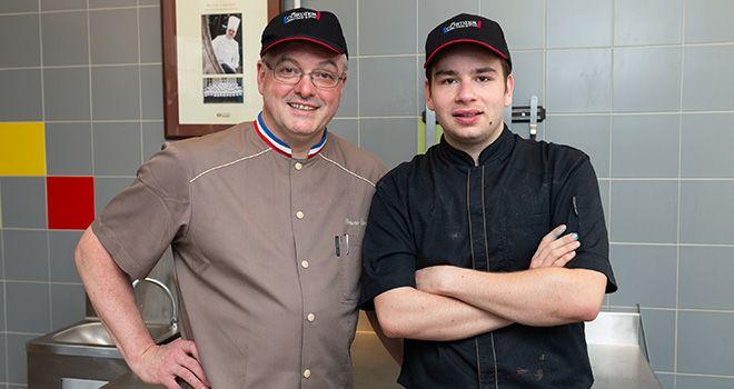 Bruno Cordier et Marcello, en BTM Pâtisserie, l'un des 33 apprentis formés par le maître.