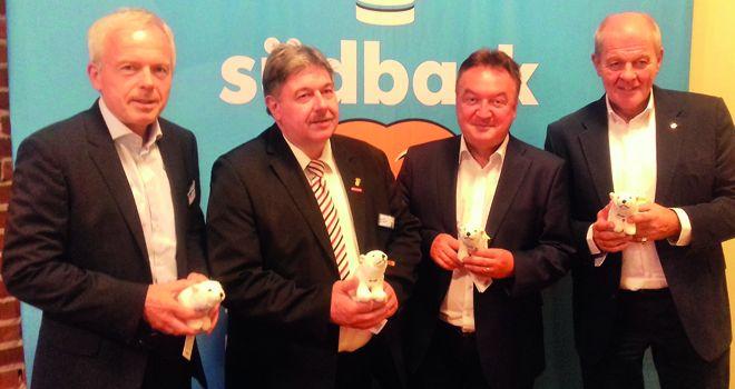Ulrich Kromer directeur général de Messe Stuttgart, Andreas Kofler, président  des boulangers du Bade-Wurtemberg, Klaus Vollmer, président des pâtissiers  du Bade-Wurtemberg, et Holger Knieling directeur général de la centrale  d'achats Bäko du sud de l'Allemagne.