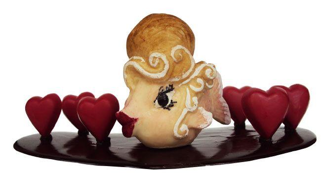 Poisson lolita et petits cœurs en chocolat noir de J.-C. Rochoux.